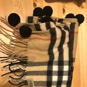 Burberry scarf special edition